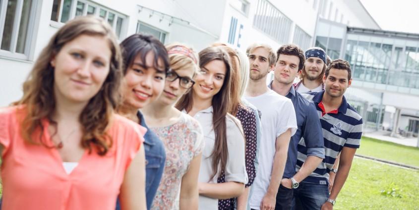Studierende am Campus der Alpen-Adria-Universität