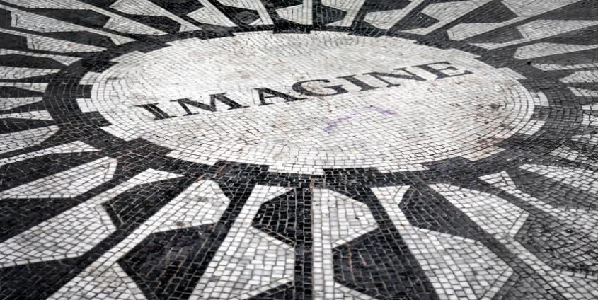 The Imagine mosaic dedicated to John Lennon at Strawberry Fields in Central Park, New York City   Foto: kmiragaya/Fotolia.com