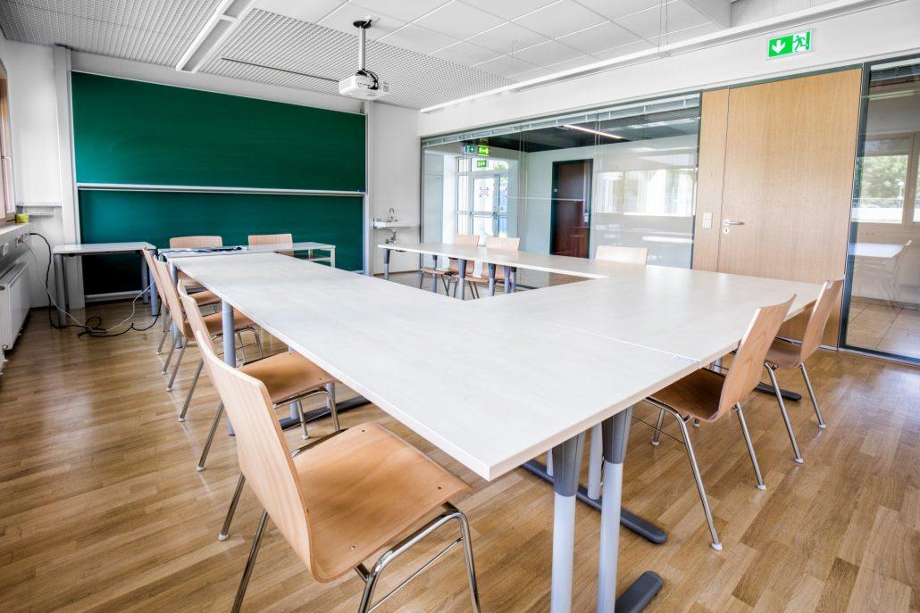 Sanierung - Muster-Seminarraum   Foto: aau/Daniel Waschnig