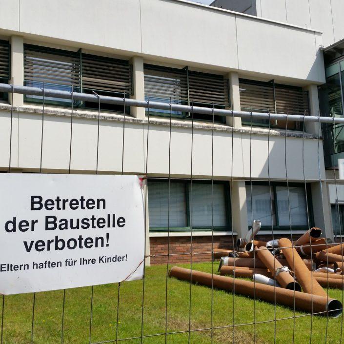 Sanierung - Betretungsverbot   Foto: aau/Herta Maurer-Lausegger