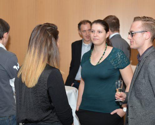 TeilnehmerInnen des Karrierprogramms im Gespräch | Foto: aau/Daniela Weiss