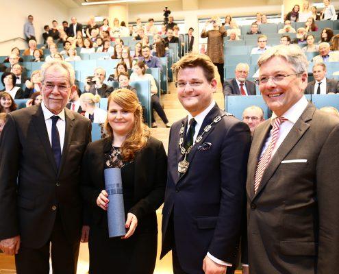BP Alexander Van der Bellen, Evamaria Russ, Rektor Oliver Vitouch, Landeshauptmann Peter Kaiser | Foto: aau/Waschnig