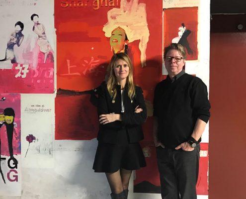 Angela Fabris und Jörg Helbig vor Filmpostern im Kino Visionario, Udine | Foto: Cristina Dittadi