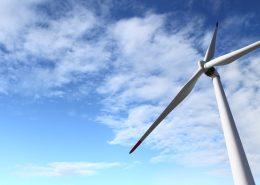 Windrad und Himmel mit Wolken | Foto: visivasnc/Fotolia.com