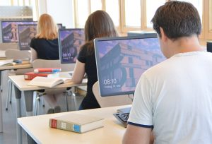 PC-Arbeitsplätze in der Bibliothek | Foto: Andrea Bem (UB)