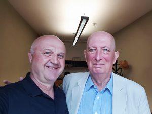 Das Foto zeigt den Autor Berhard Hüttenegger zusammen mit dem Schauspieler Marcus Thill