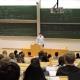 """Philipp Hungerländer bei seiner Lehrveranstaltung """"Mathematik für Wirtschaftswissenschaften"""""""