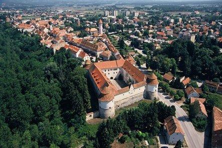 Brežice (Quelle: https://www.sloveniaholidays.com/deu/brezice/)