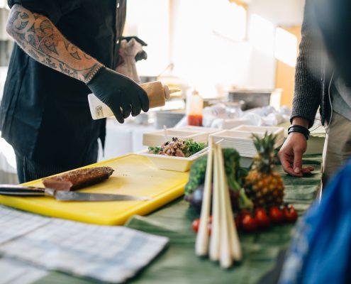 Freshmen Day 2017: Umliegende Gastronomen präsentieren ihre Köstlichkeiten (Mittagstisch) | Foto: aau/ Christina Supanz