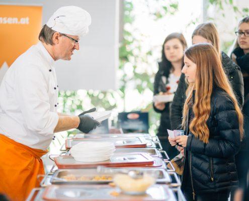 Freshmen Day 2017: Umliegende Gastronomen präsentieren ihre Köstlichkeiten (Mensa) | Foto: aau/