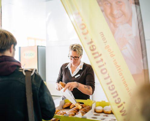 Freshmen Day 2017: Umliegende Gastronomen präsentieren ihre Köstlichkeiten (Wienerroither) | Foto: aau/ Christina Supanz