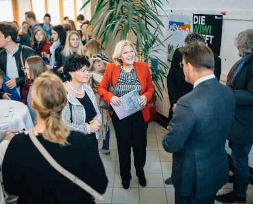 Freshmen Day 2017: Rektor Oliver Vitouch begrüßt Bürgermeisterin Maria-Luise Mathiaschitz | Foto: aau/ Christina Supanz