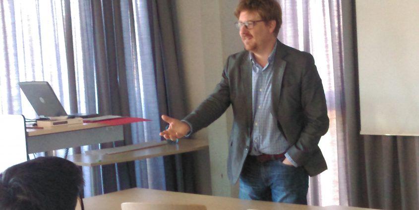 Christian Dayé unterrichtet Soziologie