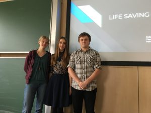 Katja Reiter, Dagne Galvanovska and Martins Vladimirovs present a live saving app, photo: Rondo-Brovetto P.