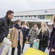 Studierende vor der AAU | Foto: aau/tinefoto.com