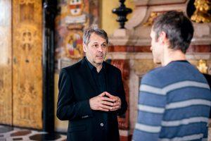 Im Gespräch zum Thema Mehrsprachigkeit Hans Karl Peterlini | Foto: Daniel Waschnig im Wappensaal im Landhaus in Klagenfurt