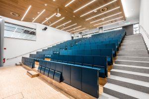 Der neue Hörsaal 1 bietet Platz für rund 190 Studierende