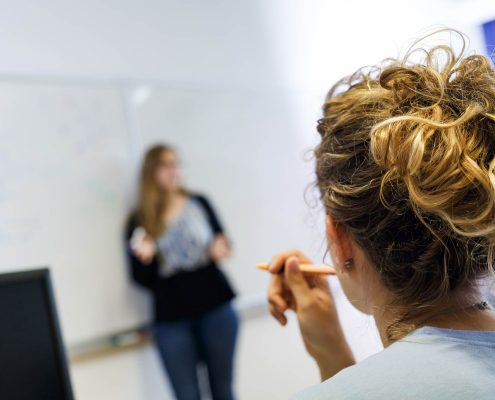AAU Studierende und Institute