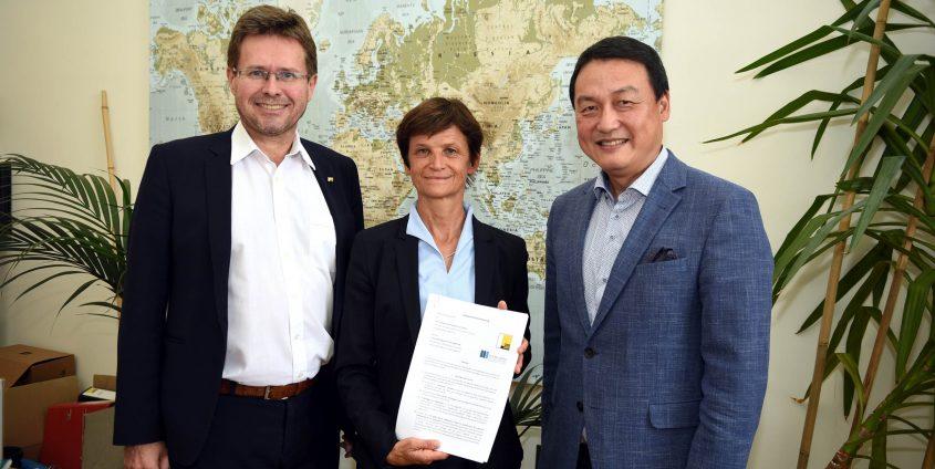 Vertragsunterzeichnung mit dem Konfuzius-Institut der Karl-Franzens-Universität