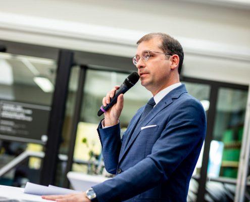 BIG Geschäftsführer Hans-Peter Weiss bei der Eröffnungsfeier an der Universität Klagenfurt