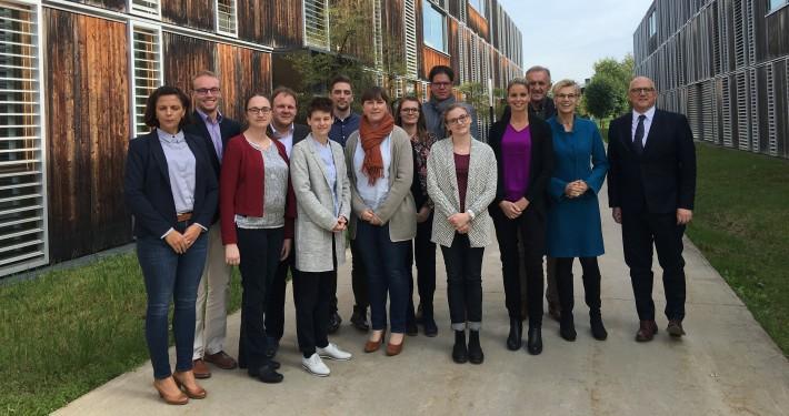 Gruppenfoto bayrischer Studierender mit Prof. Rondo-Brovetto, Foto: Rondo-Brovetto P.
