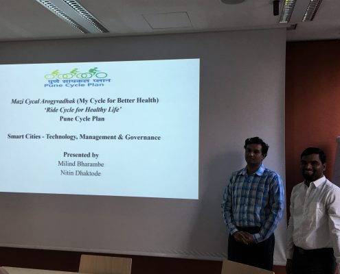 """Milind Bharambe and Nitin Dhaktode present a cycle sharing model for Bombay called """"Ride Cycle for Healthy Life"""", photo: Rondo-Brovetto P."""