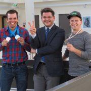 Rektor Oliver Vitouch ehrt die Spitzensportler Markus Salcher und Hanno Douschan