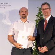 Shortlist-Nominierung bei Ars Docendi-Staatspreis mit Wilfried Elmenreich (links) und Sektionschef Elmar Pichl