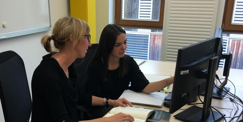 Univ.-Ass.in Anna Oppelmayer and PhD student Madalina Dan, Foto: Rondo-Brovetto P.