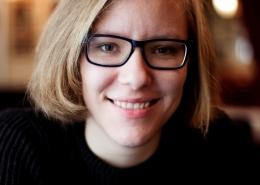 Porträtfoto Raphaela Edelbauer, Foto: Victoria Herbig