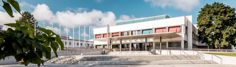 Haupteingang Uni Klagenfurt