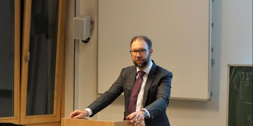 Vortragender Dr. Olaf Riss