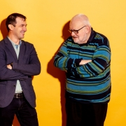 Reinhard Neck und Dmitri Blüschke im Gespräch   Foto: aau/Daniel Waschnig