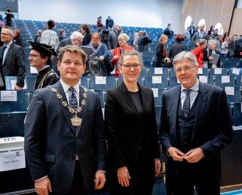 Rektor Vitouch, Ministerin Iris Rauskala und Landeshauptmann Peter Kaiser beim Festakt | Foto: aau/Daniel Waschnig