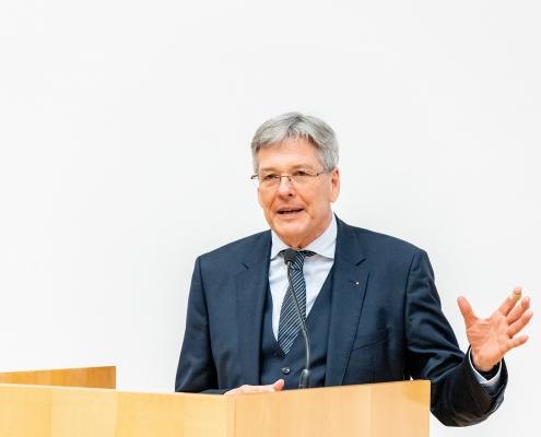 LH Peter Kaiser spricht Grußworte | Foto: aau/Daniel Waschnig