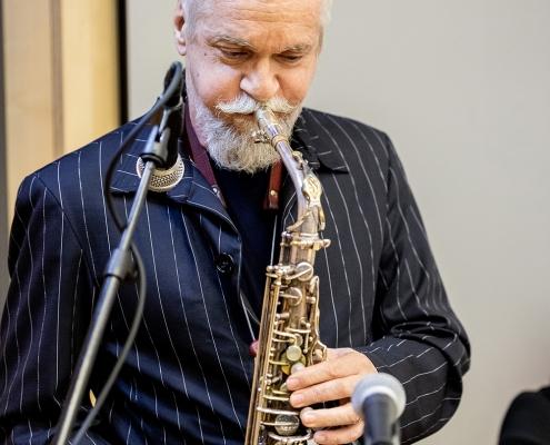 Ehrendoktor Wolfgang Puschitz spielt beim Festakt | Foto: aau/Daniel Waschnig