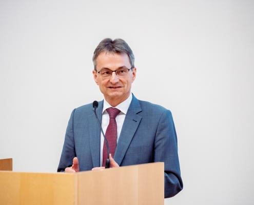 Grußworte von Hermann Hellwagner | Foto: aau/Daniel Waschnig