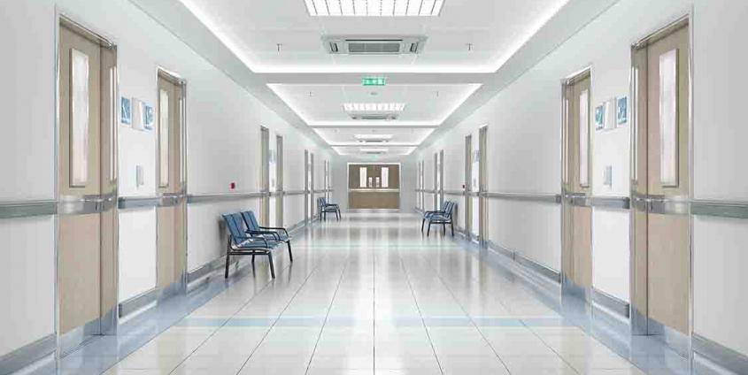 Krankenhaus | Menschenleerer Gang