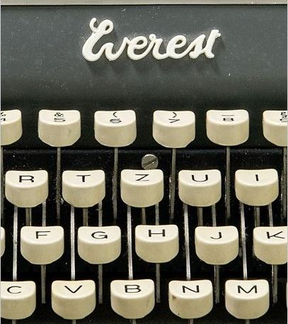 Schreibmaschine von Peter Turrini   Bildausschnitt