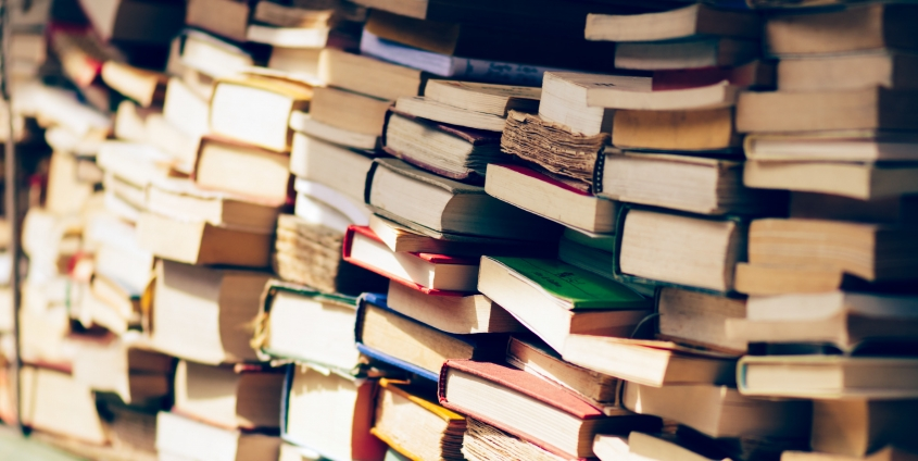Literatur | Bücherstapel