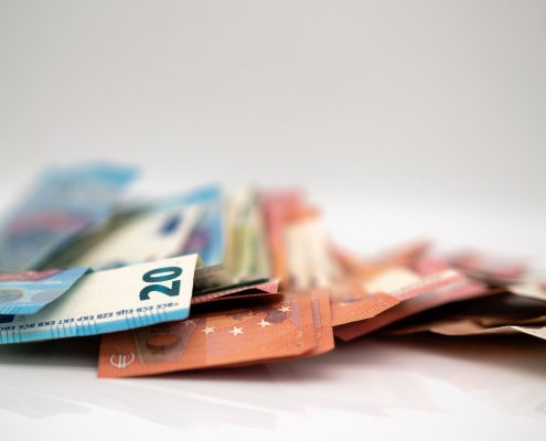 Euro-Bargeld | Foto: Nico Bekasinski/Adobestock