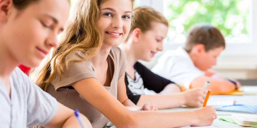 Schulunterricht | Foto: Kzenon/Adobestock