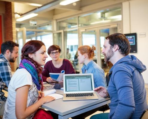 Studierende am Institut für Medien- und Kommunikationswissenschaft
