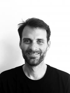 Portratifoto von Gilles Reckinger in schwarz-weiß