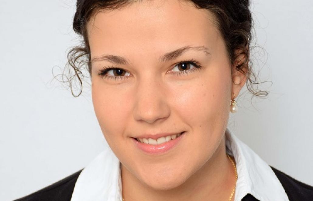 Portraitfoto von Frau Barbara Pedretscher